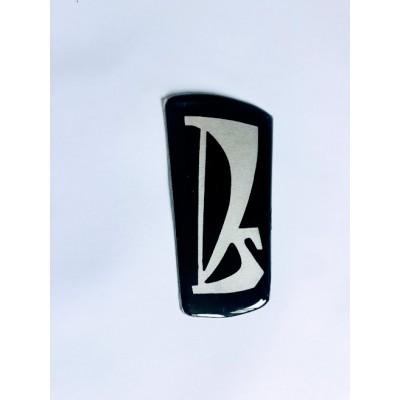Emblema da grade Lada Niva ( adesivo resinado para recuperar o emblema original)